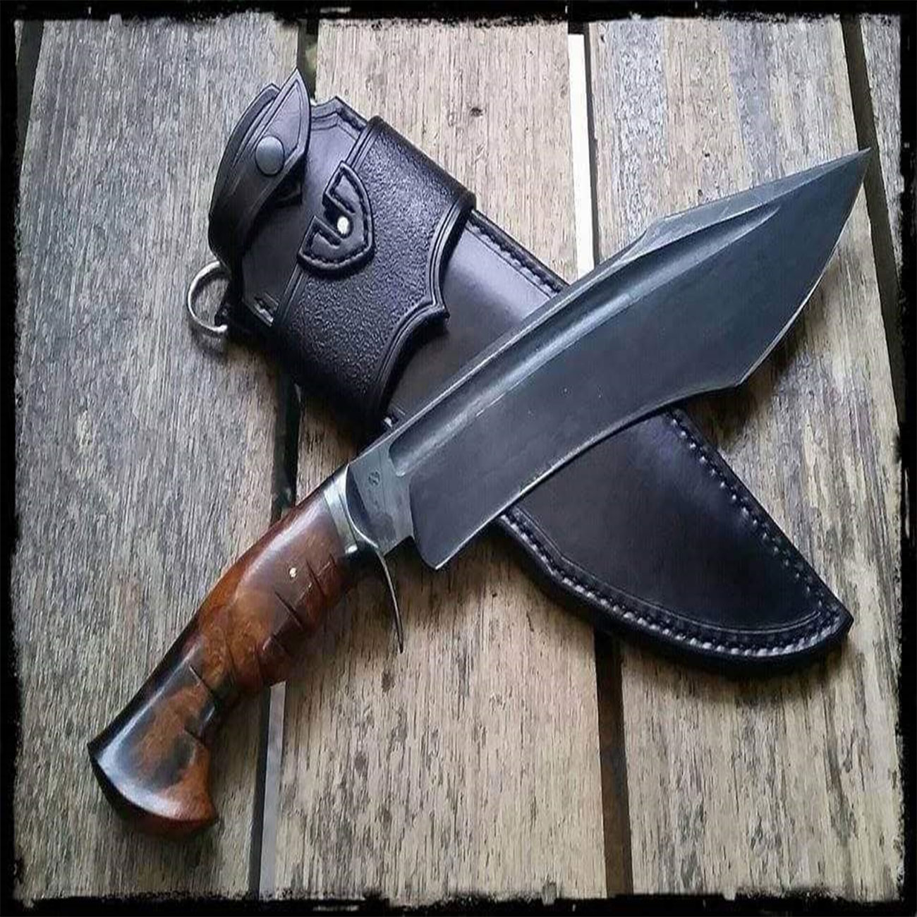 High carbon steel 1095 hand made custom bowie